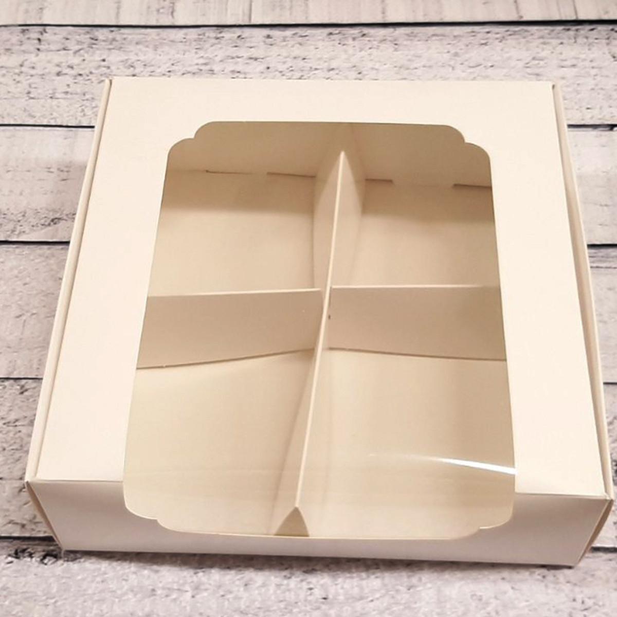 Коробка для десертов с разделителем 20*20*6см