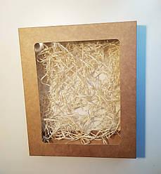 Подарочная коробка из картона с травкой
