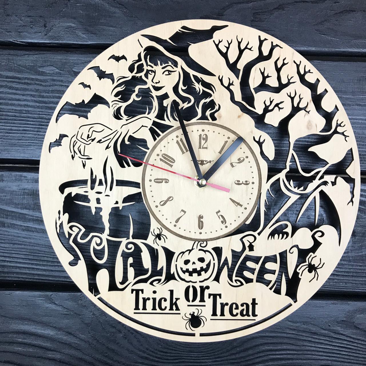 Часы из дерева настенные «Хэллоуин»