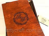 Бокалы с гравировкой в деревянной коробке с инициалами (№8) (красное дерево), фото 2