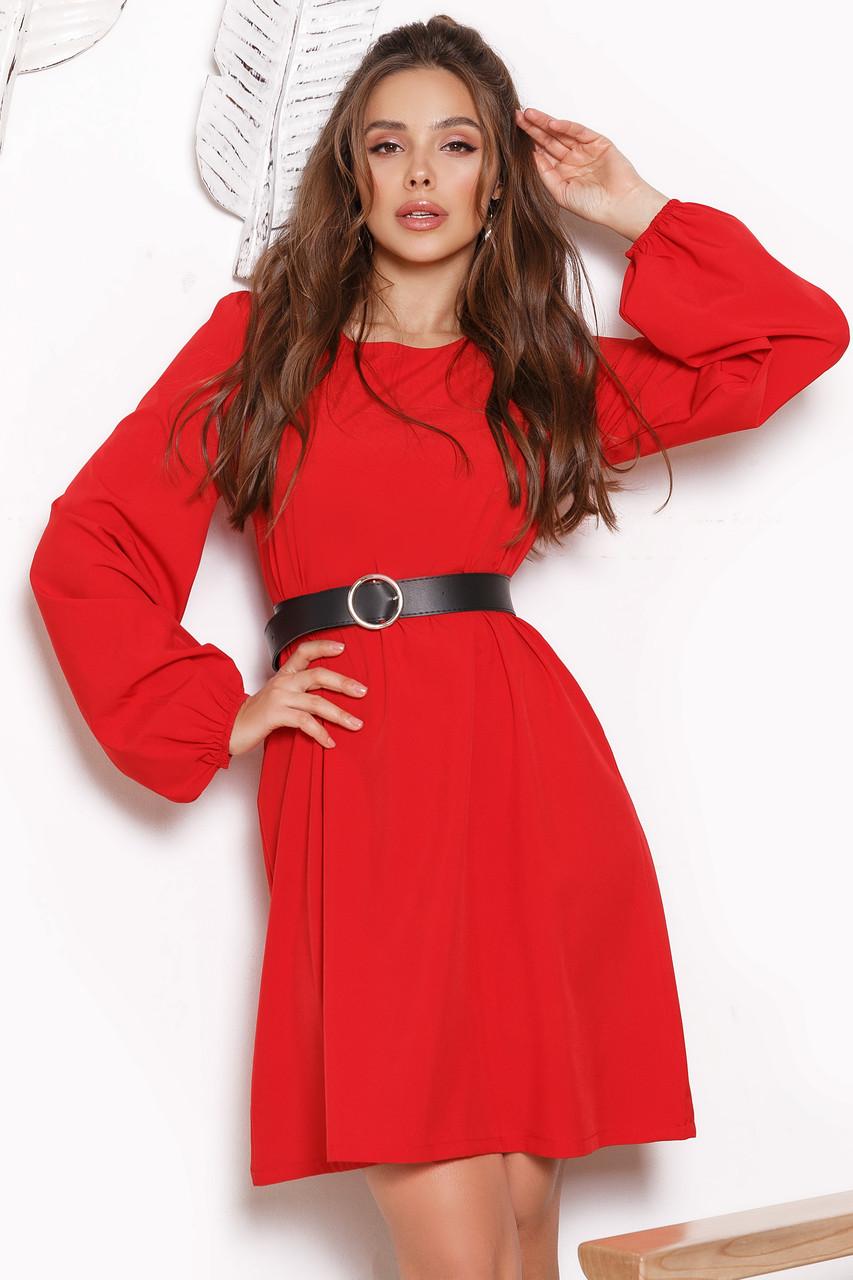 Женское платье свободного кроя с поясом Красный