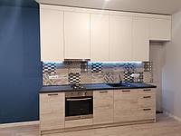 Бюджетная кухня под ключ КТ-31 для смарт-квартир или квартир под сдачу  /  верх 3.3 м, низ 2.6 м
