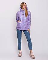 Короткая женская весенняя куртка с лампасами