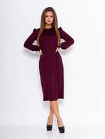 Бордовое прямое платье с длинными рукавами