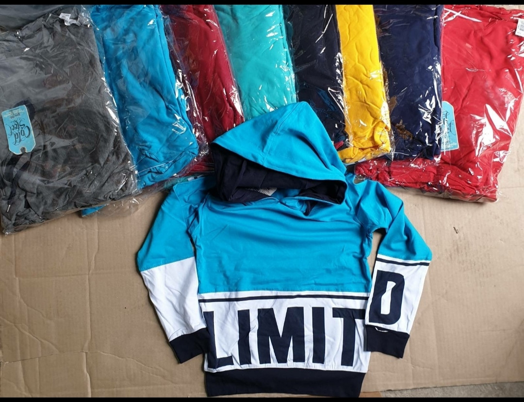 Кофты с капюшоном для мальчиков 182-200 рост (13-16 лет).