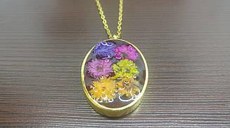 Кулон с натуральными цветами, подвес из эпоксидной смолы, подарок на 8 марта