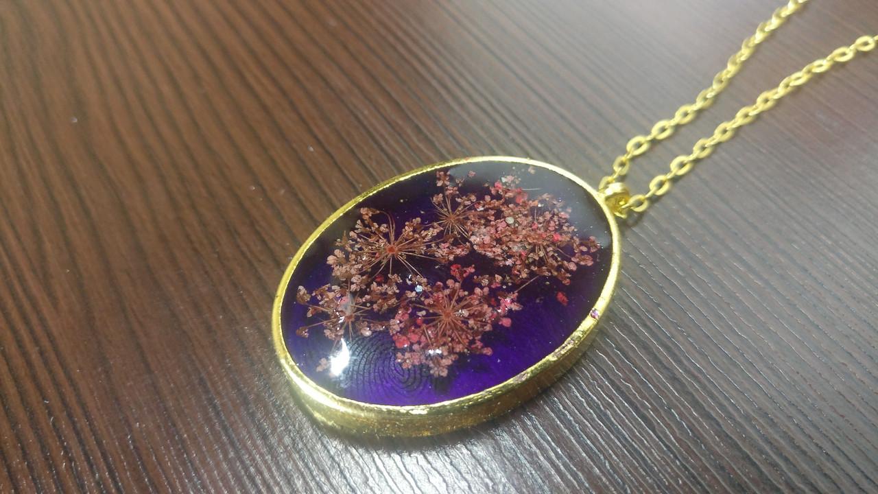 Кулон с натуральными цветами, подвес из эпоксидной смолы, подарок на 8 марта, подарок девушке