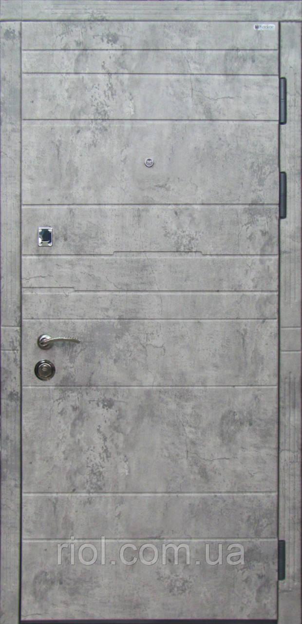 Дверь входная Базальт серии Стандарт ТМ Каскад