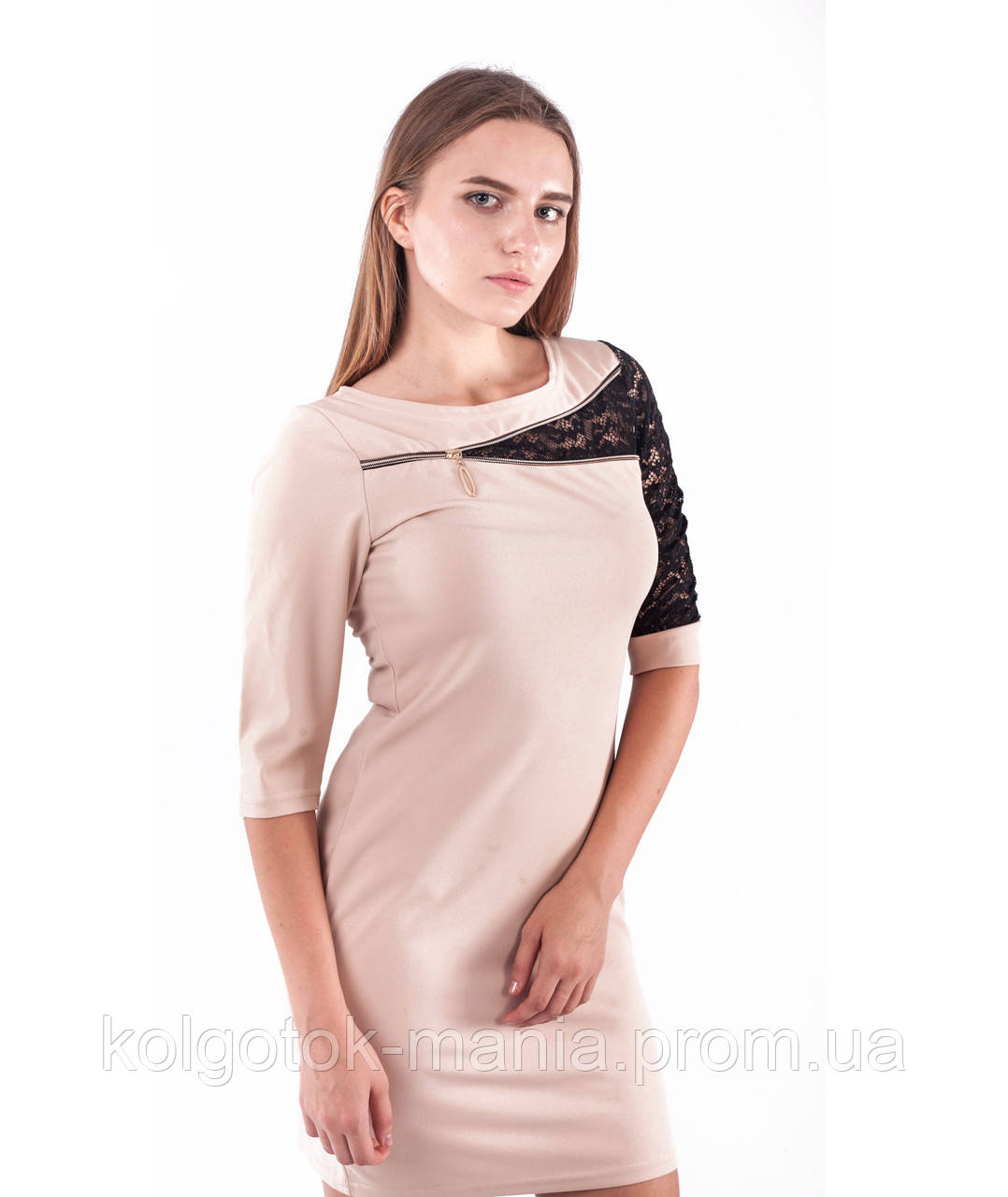Платье женское с вставкой из гипюра