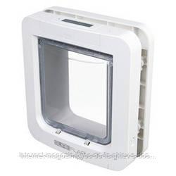 Дверца-автомат Трикси SureFlap Cat Flap с микрочипом Microchip для собак и котов (26,2 × 28,1 см)