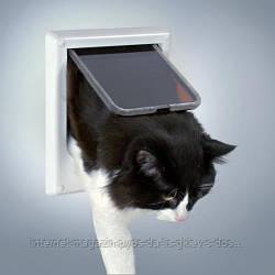Врезная дверца для кошки 4 позиции Трикси Trixie для собак и кошек, электромагнитная (21.1х24.4 см)