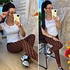 Тёплые женские брюки украшенные модным принтом