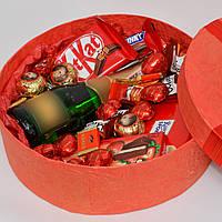 Подарочный набор девушке. Подарок на 14 февраля. Букет из конфет. Набор на 8 марта.