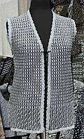 Женская жилетка ажурной вязки