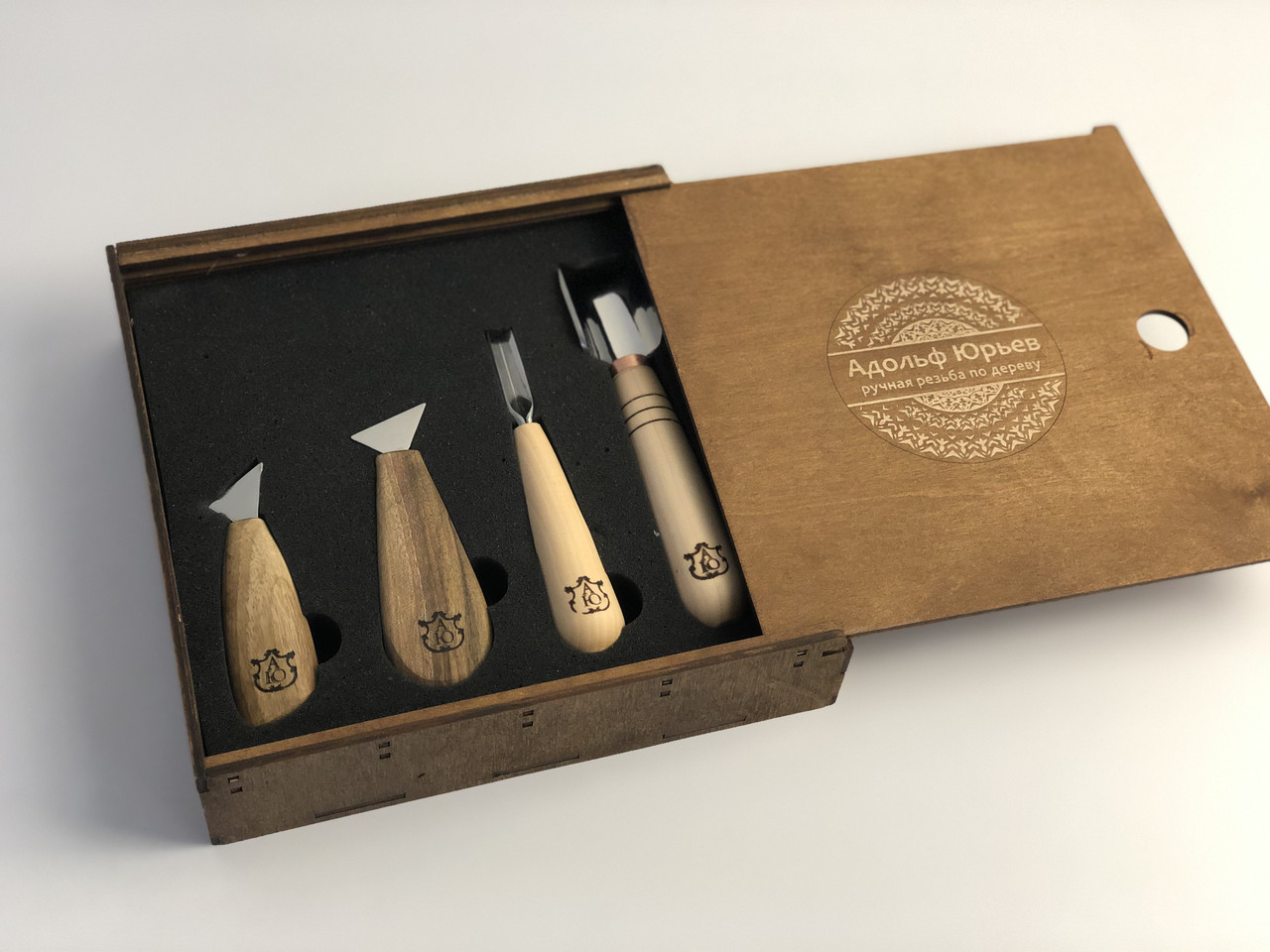 Набор инструментов для резьбы по дереву в деревянной коробке, 4 шт