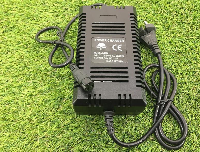 Зарядное устройство 36V , 1.5 A для свинцово-кислотных батарей
