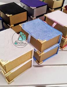Оксамитові вкриті коробки книга