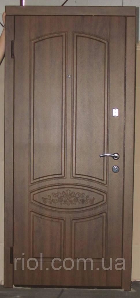 Дверь входная Гранат серии Стандарт ТМ Каскад