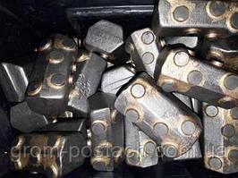 Приварні зуби на обсадні труби бурових установок
