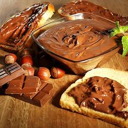 Шоколадно - горіхові пасти та праліне