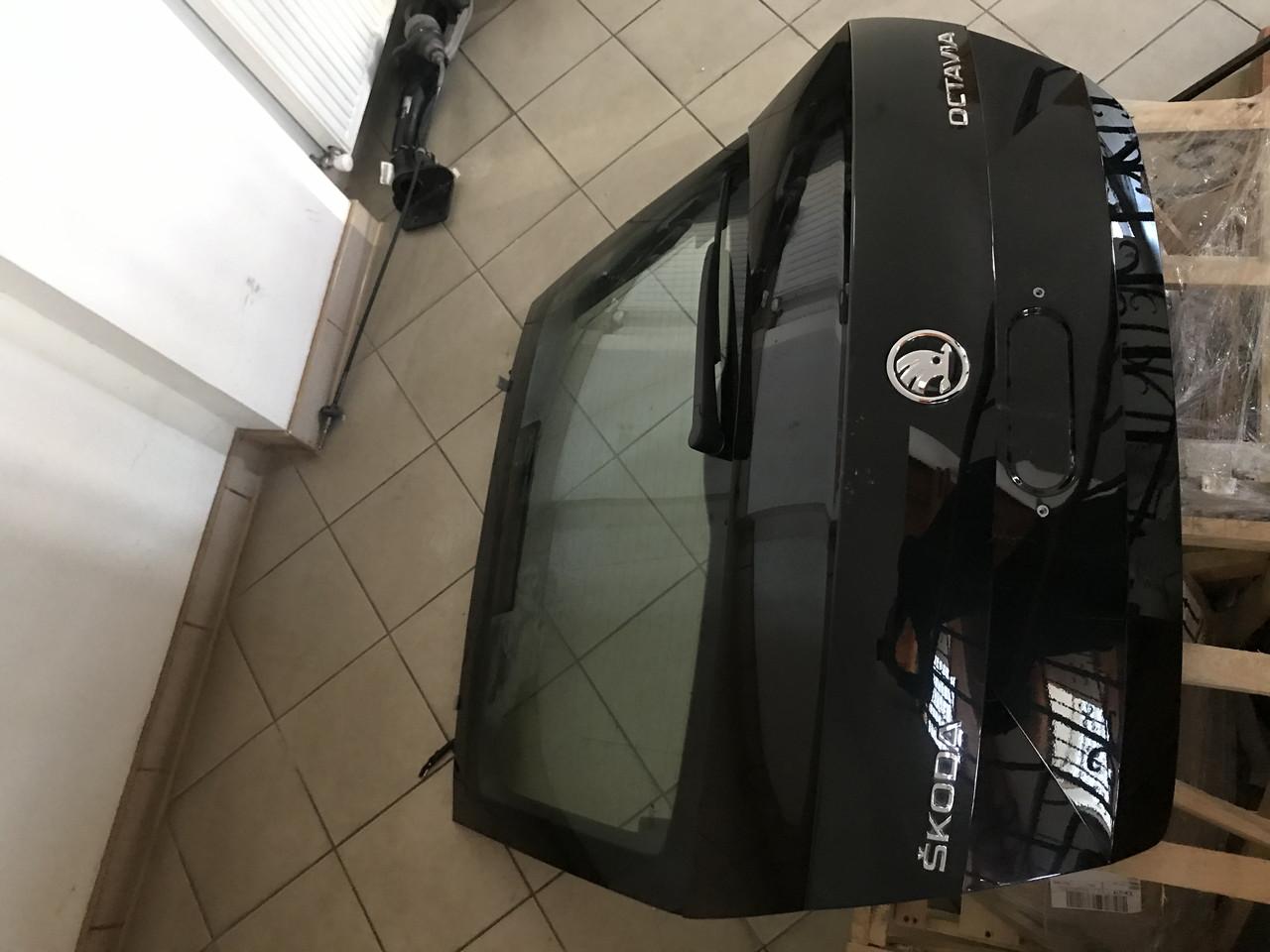 Кришка багажнику ліфт бек Skoda Octavia A7