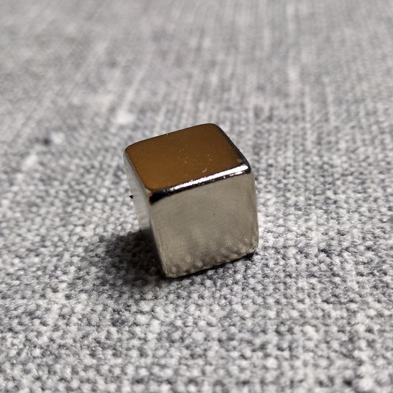 Магнит неодимовый куб  5х5х5 мм