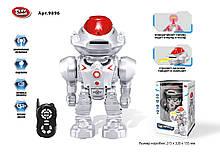 """Робот батар.р/у  """"PLAY SMART"""" звуковые эффекты,свет,стреляет дисками,в кор. 32*21,5*15,5см /18-2/"""