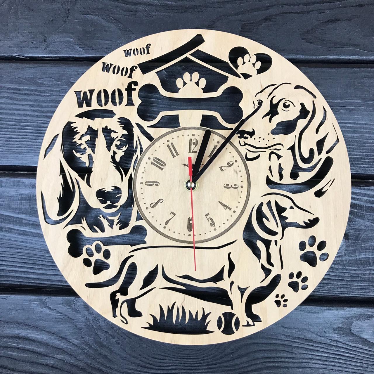 Настенные дизайнерские часы из дерева «Такса»
