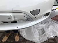 Бампер передній Nissan Leaf