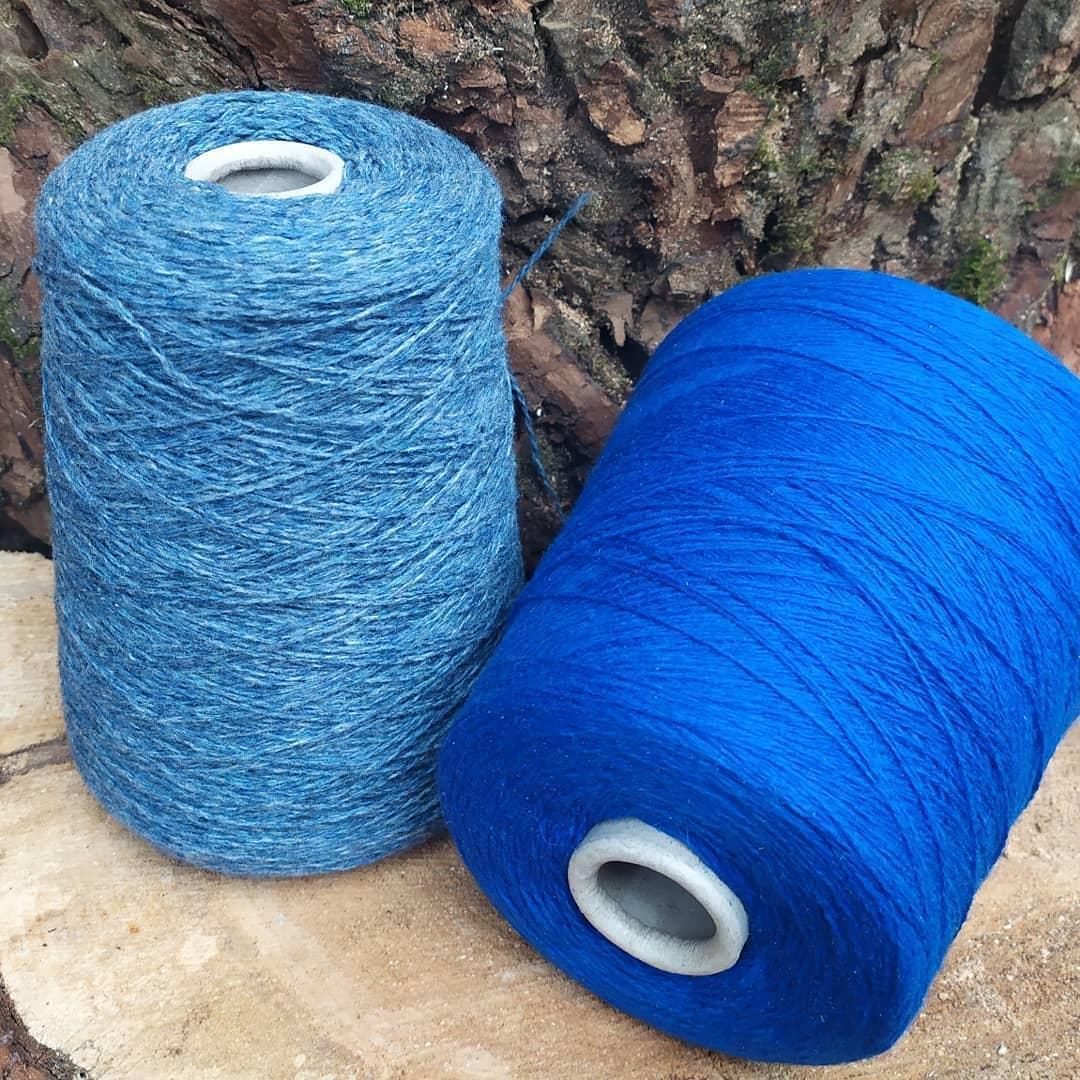 100% шерсть шетландской овцы , электрик и синий меланж