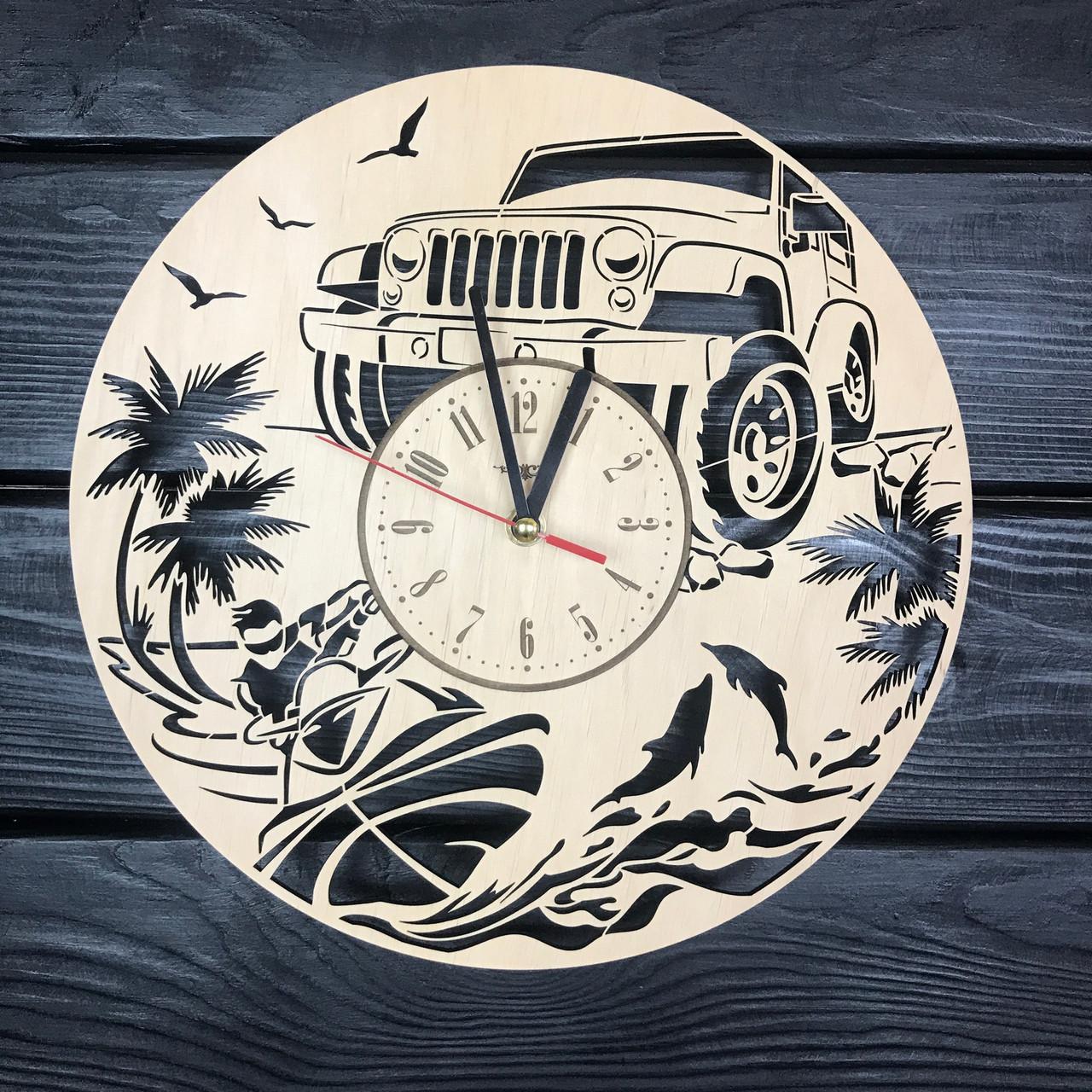 Мужские дизайнерские настенные часы из дерева