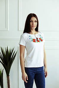 Жіноча вишита футболка Барвиста А-15