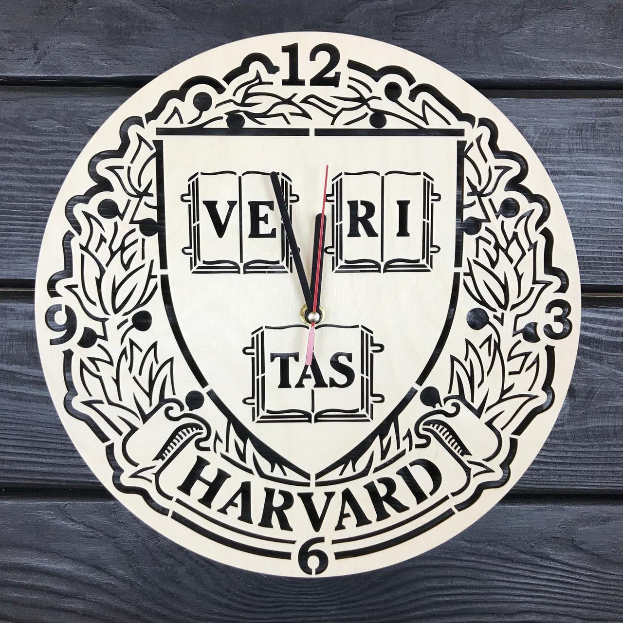 Нeобычные деревянные часы в интерьер «Гарвард»