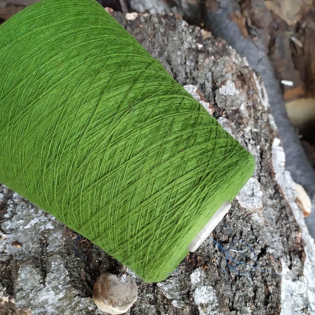 100% шерсть шетландской овцы , молодая зелень