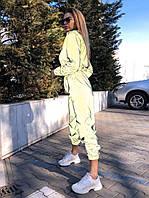 Женский светоотражающий спортивный костюм с укороченной мастеркой 22SP871