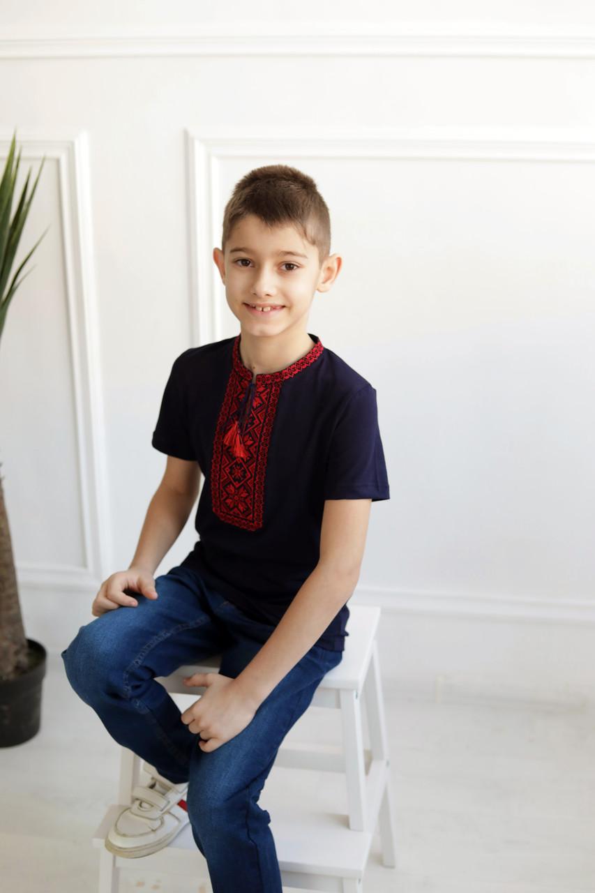 Вишита футболка для хлопчика з стійкою DXL-06