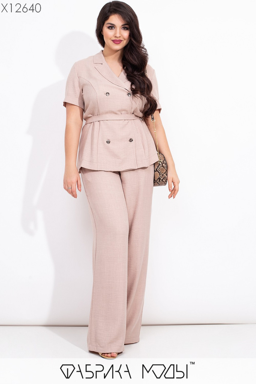 Льняной женский брючный костюм в больших размерах с рубашкой под пояс и брюками клеш 1uk573