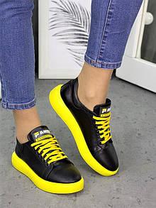 Женские черные кеды из натуральной кожи с яркой желтой подошвой 75OB125