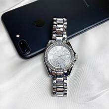 Женские кварцевые часы с камнями на корпусе,серые