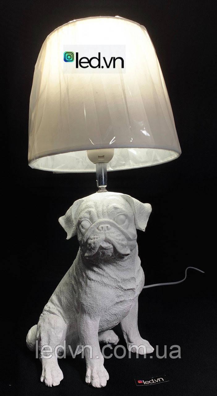 Декоративная настольная лампа мопс