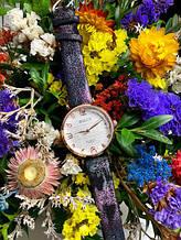 Стильні жіночі годинники не великого розміру,чорні