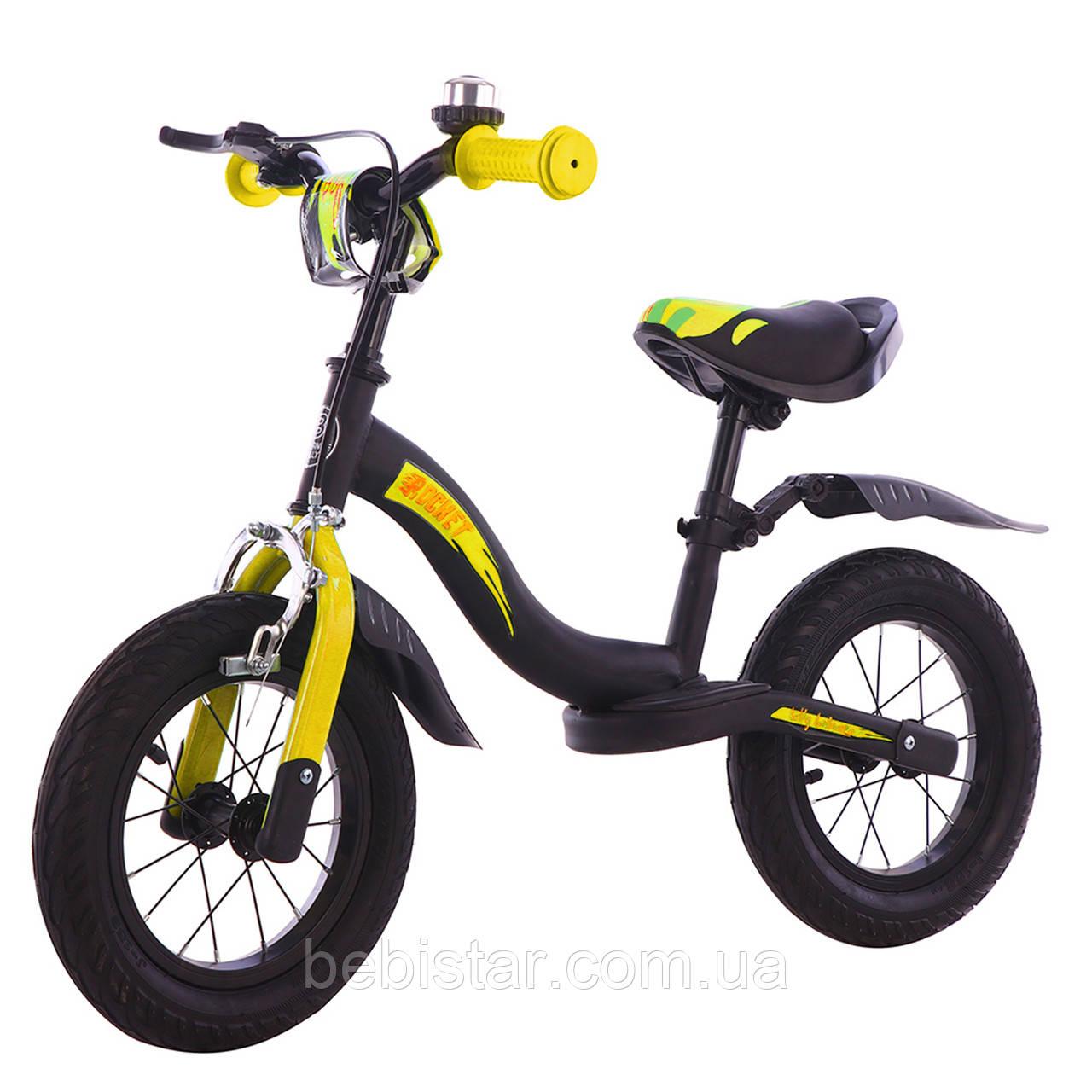 Беговел стальной черный с желтым Tilli Rocket крылья надувные колеса ручной тормоз звонок детям от 2 до 5 лет