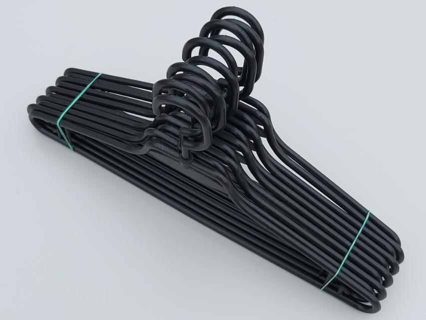 Плечики вешалки тремпеля V-L1 черного цвета, длина 41,5 см, в упаковке 10 штук