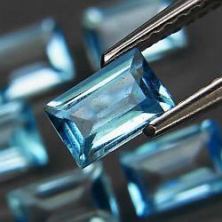 Натуральный топаз голубой 6х4  мм