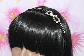 Бесподобный обруч для волос черный с декором бантик с камнями