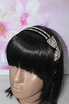Изумительный обруч для волос черный с декором бантик с камнями