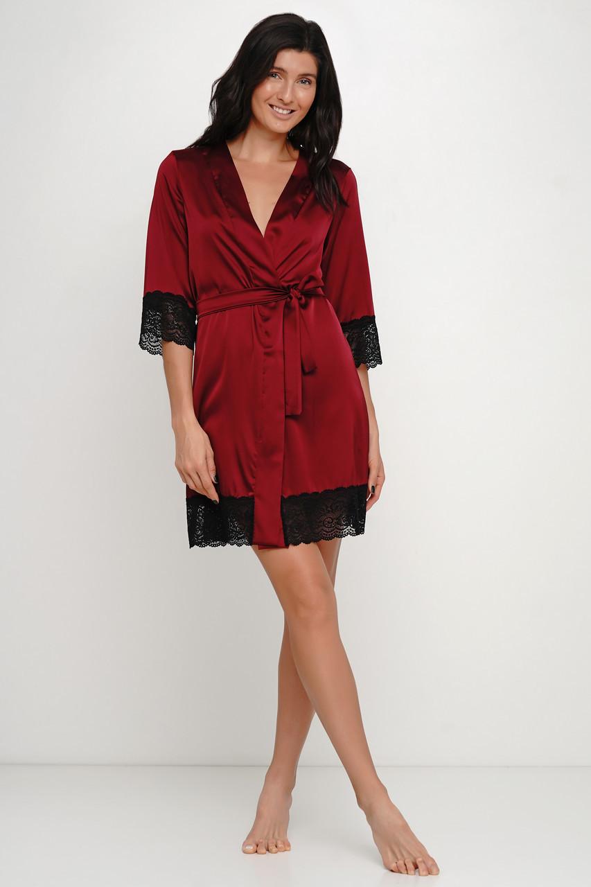 Бордовый шелковый халат с кружевом