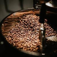 Обжарка зеленого зернового кофе