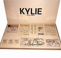 Набор декоративной косметики Kylie Jenner бежевый