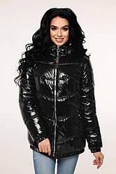 Жіноча демісезонна куртка чорна лакова брендовий